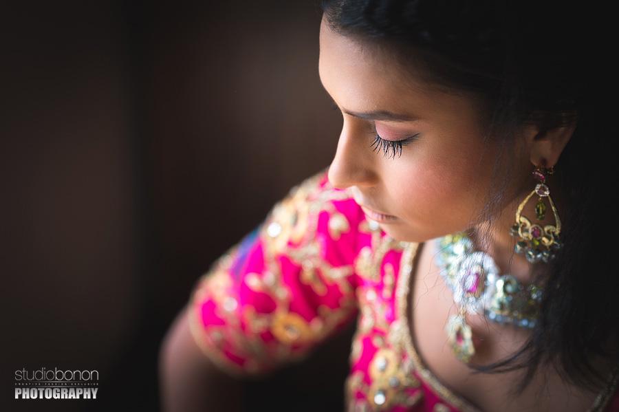 015-bride-portrait-indian-wedding-shari-red