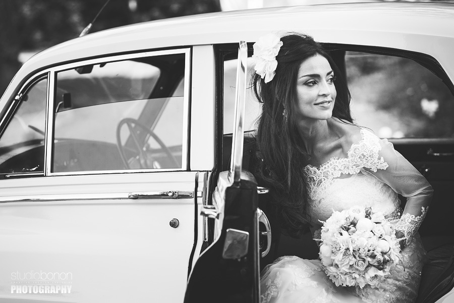 026-stunning-bride-rolls-royce-wedding-in-florence