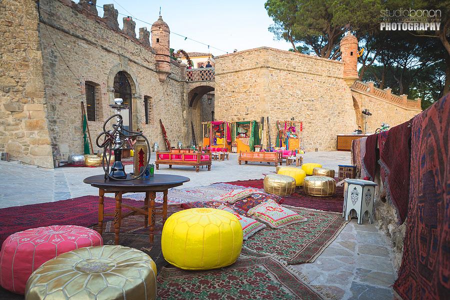 029-indian-wedding-market-solfagnano-castle-hookah-narghile