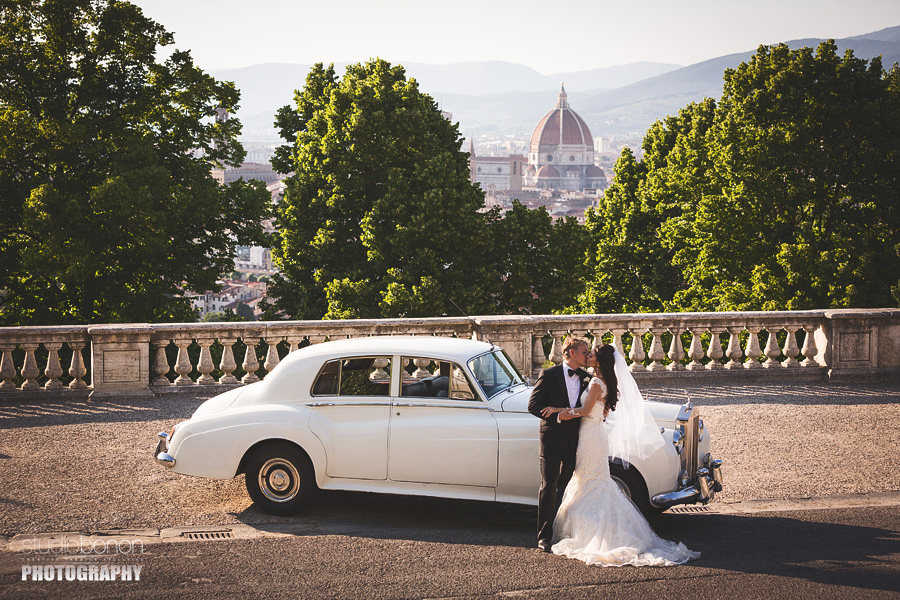 032-bride-groom-rolls-royce-florence-view-romantic