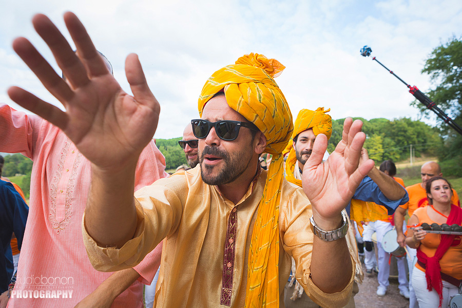 044-baraat-swagat-bolly-wedding-in-umbria-indian