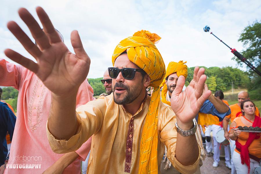 044-baraat-swagat-bolly-wedding-in-umbria-indian