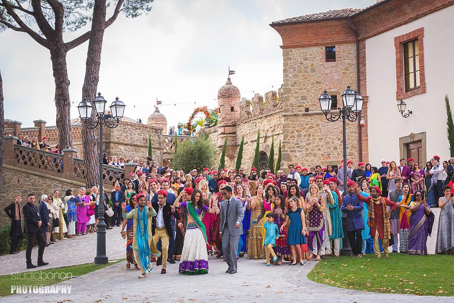 049-baraat-swagat-bolly-wedding-in-umbria-indian