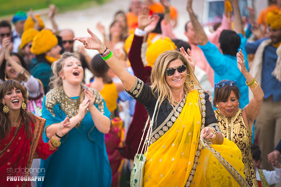 050-baraat-swagat-bolly-wedding-in-umbria-indian