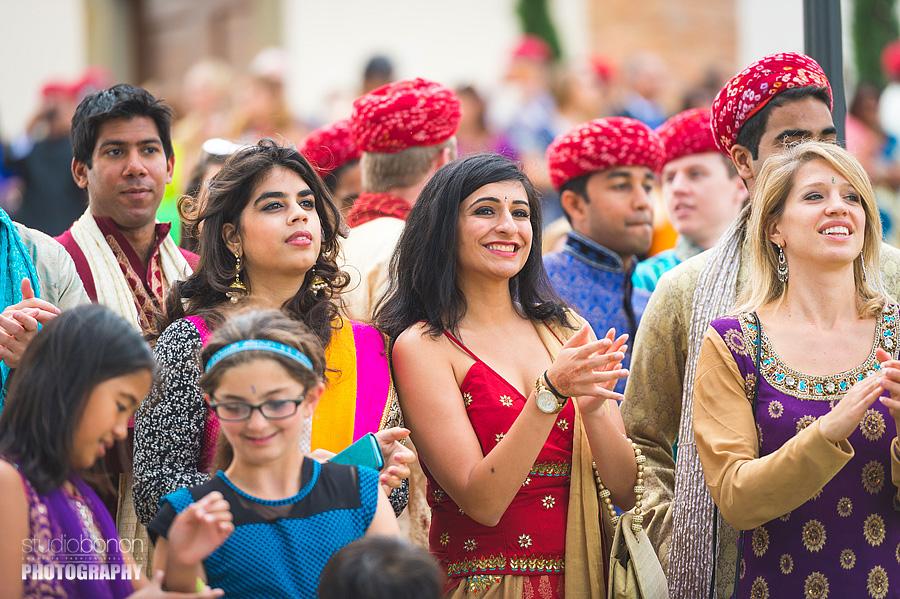 057-sari-guest-indian