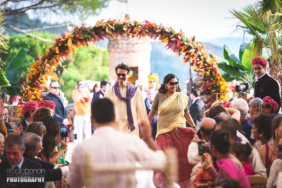 096-indian-wedding-entrance