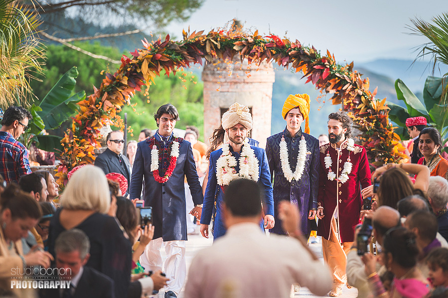 099-indian-wedding-entrance-groom