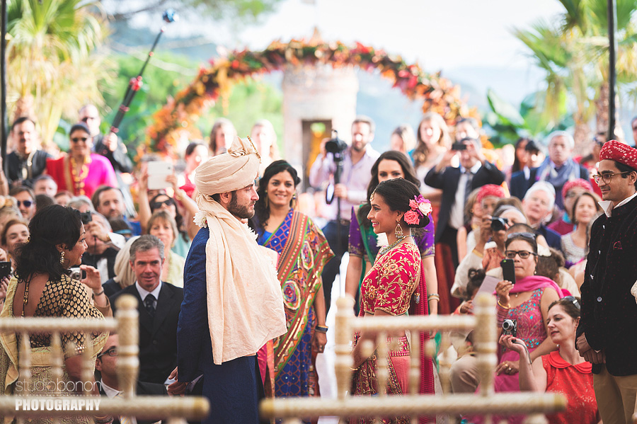 112-indian-bridegroom-ceremony-first-look-emotion-tears