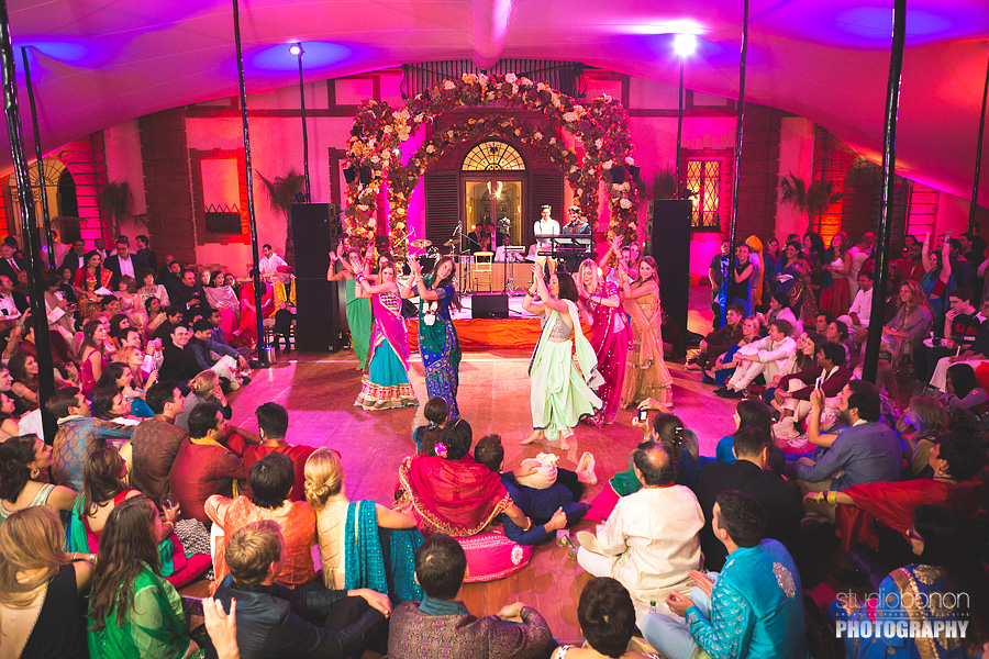 156-epic-wedding-party-dancers-indian