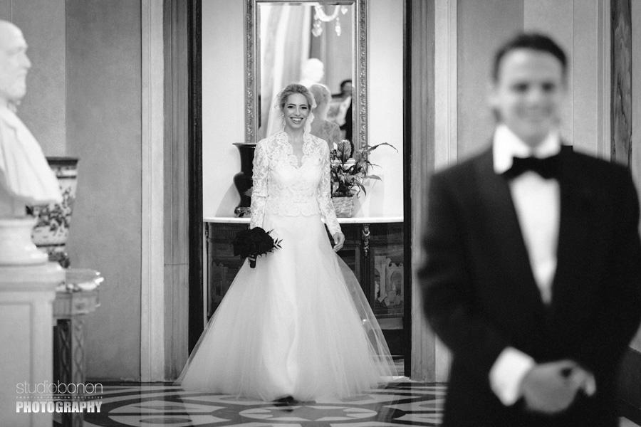 013-bride-groom-emotional-first-look