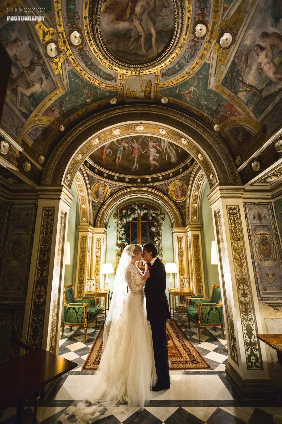 034f-bride-groom-portrait-inside-four-seasons-cappella