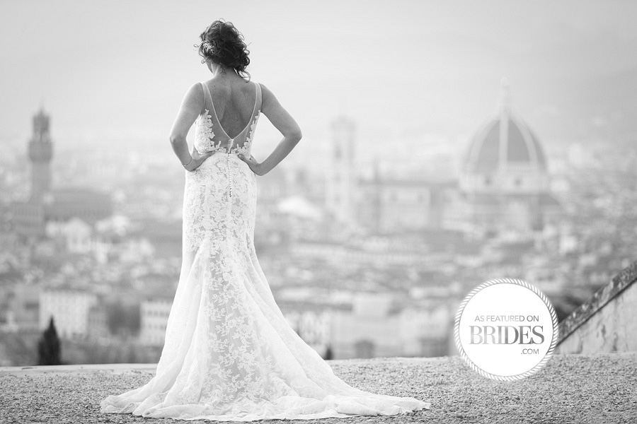 000brides-beautiful-moment-between-bride-and-groom-dress-and-firenze-duomo
