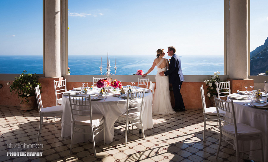 038-bride-groom-wedding-portrait-in-amalfi-coast-positano-stunning-view