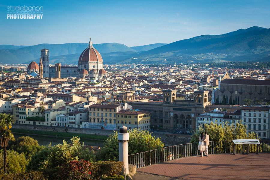 018-engagement-sunrise-at-florence-piazzale-michelagiolo-view-old-bridge