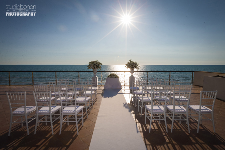 010-beach-wedding-setup-at-bagno-la-lanterna-san-vincenzo-tuscany