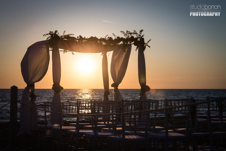 038-beach-wedding-setup-at-bagno-la-lanterna-san-vincenzo-tuscany
