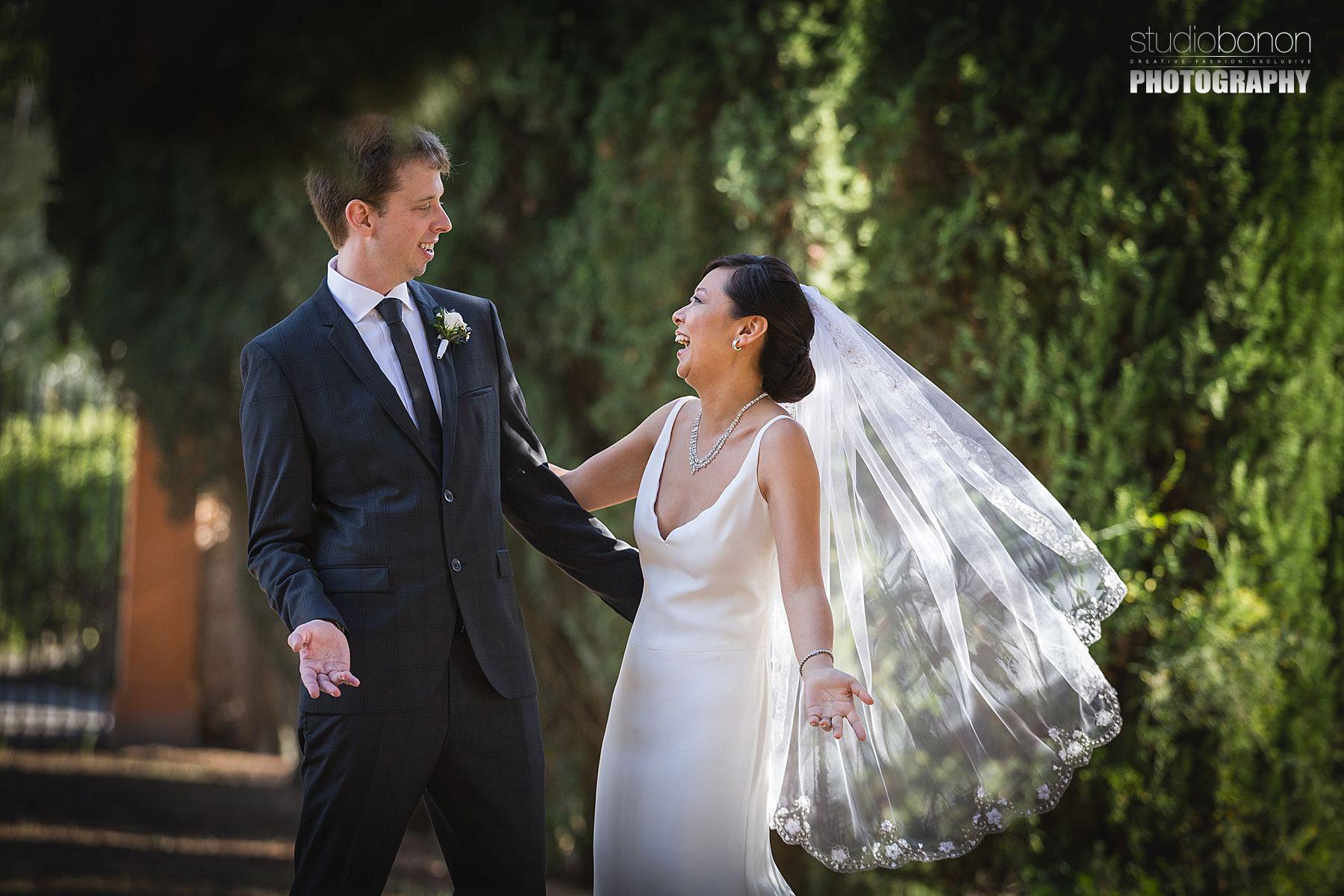 019-Wedding-Firt-Look-in-Tuscan-Villa