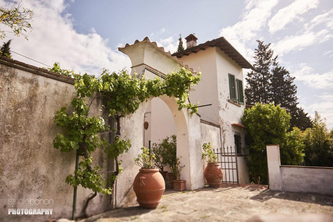 Matrimonio Rustico Firenze : Matrimonio intimo toscana in stile romantic a villa torricella