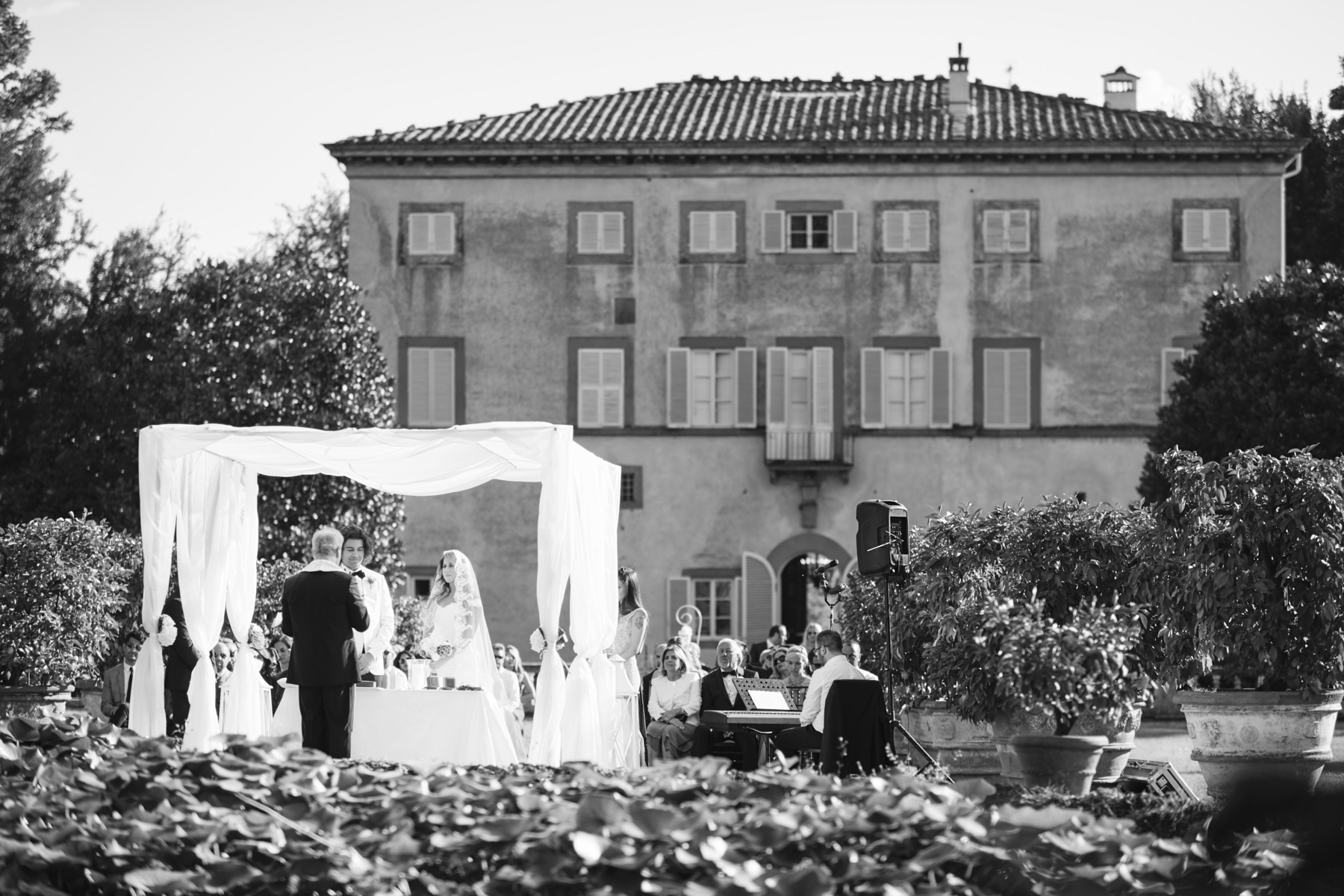 018-turkish-couple-getting-married-tuscany