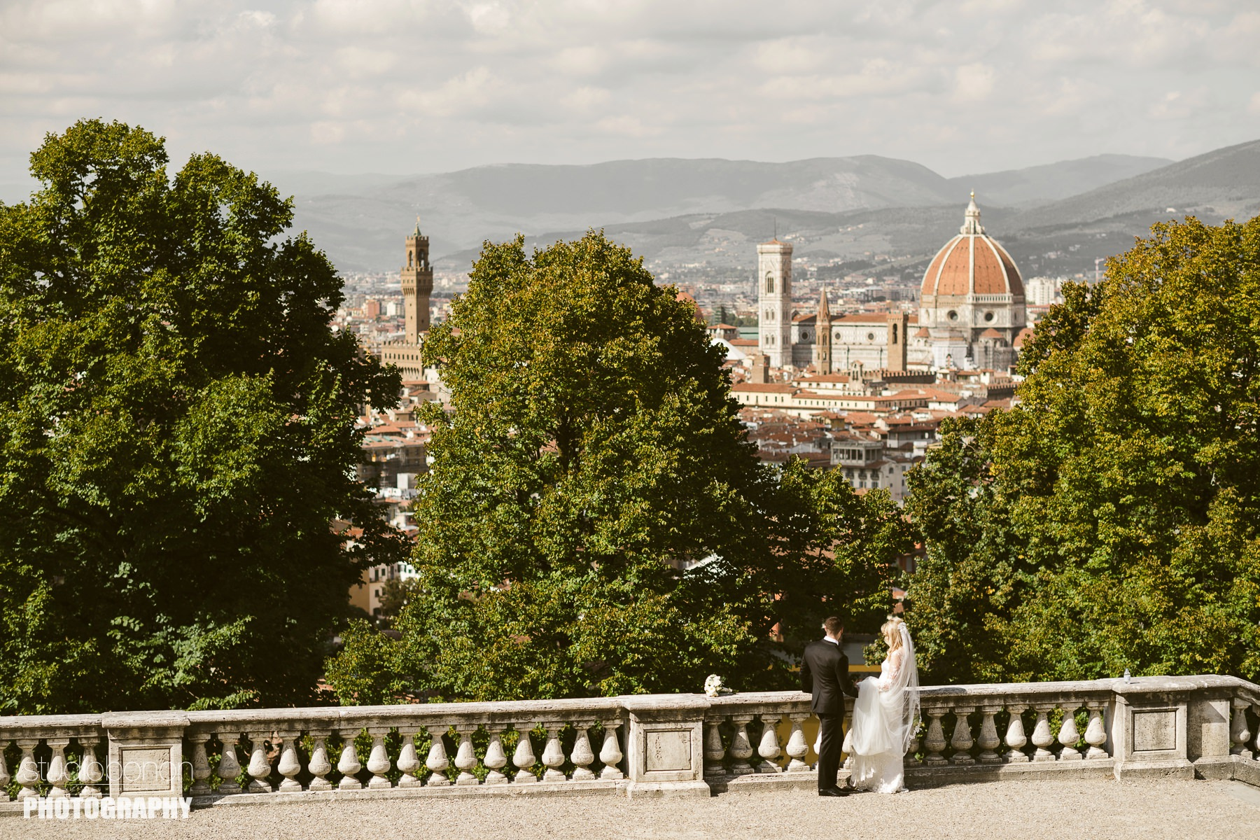 Bride and groom wedding photo at San Miniato al Monte near Piazzale Michelangelo