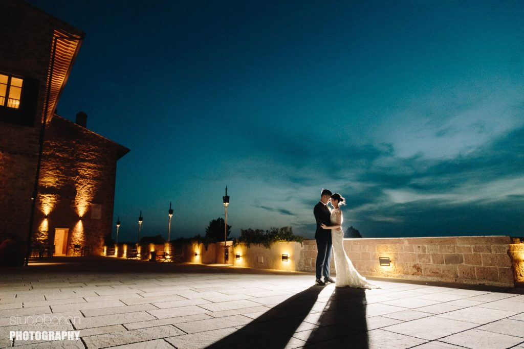 Bride and groom wedding photo in Tuscany at Tenuta di Castelfalfi for a destination wedding in Italy