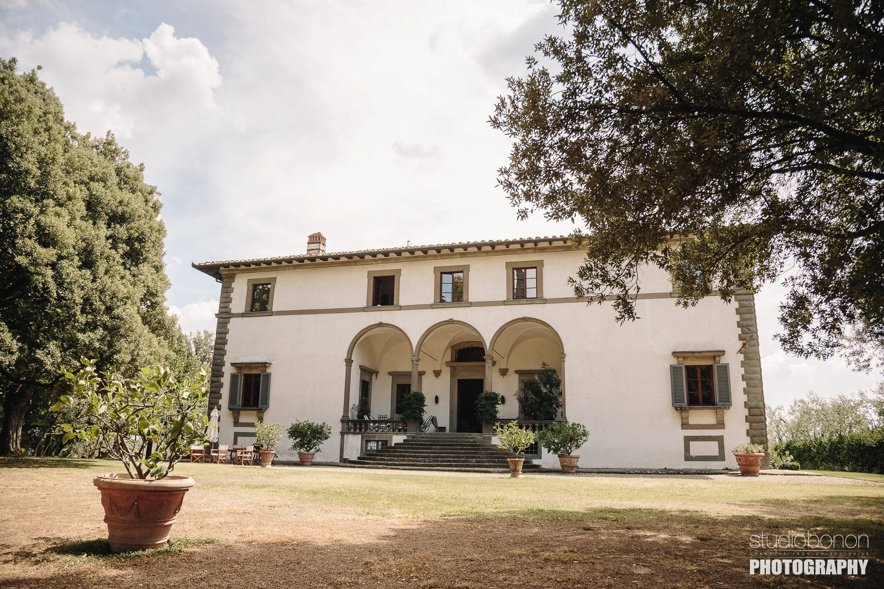 Villa Pisignano a beautiful Villa into the Tuscany countryside. A perfect venue for destination weddings