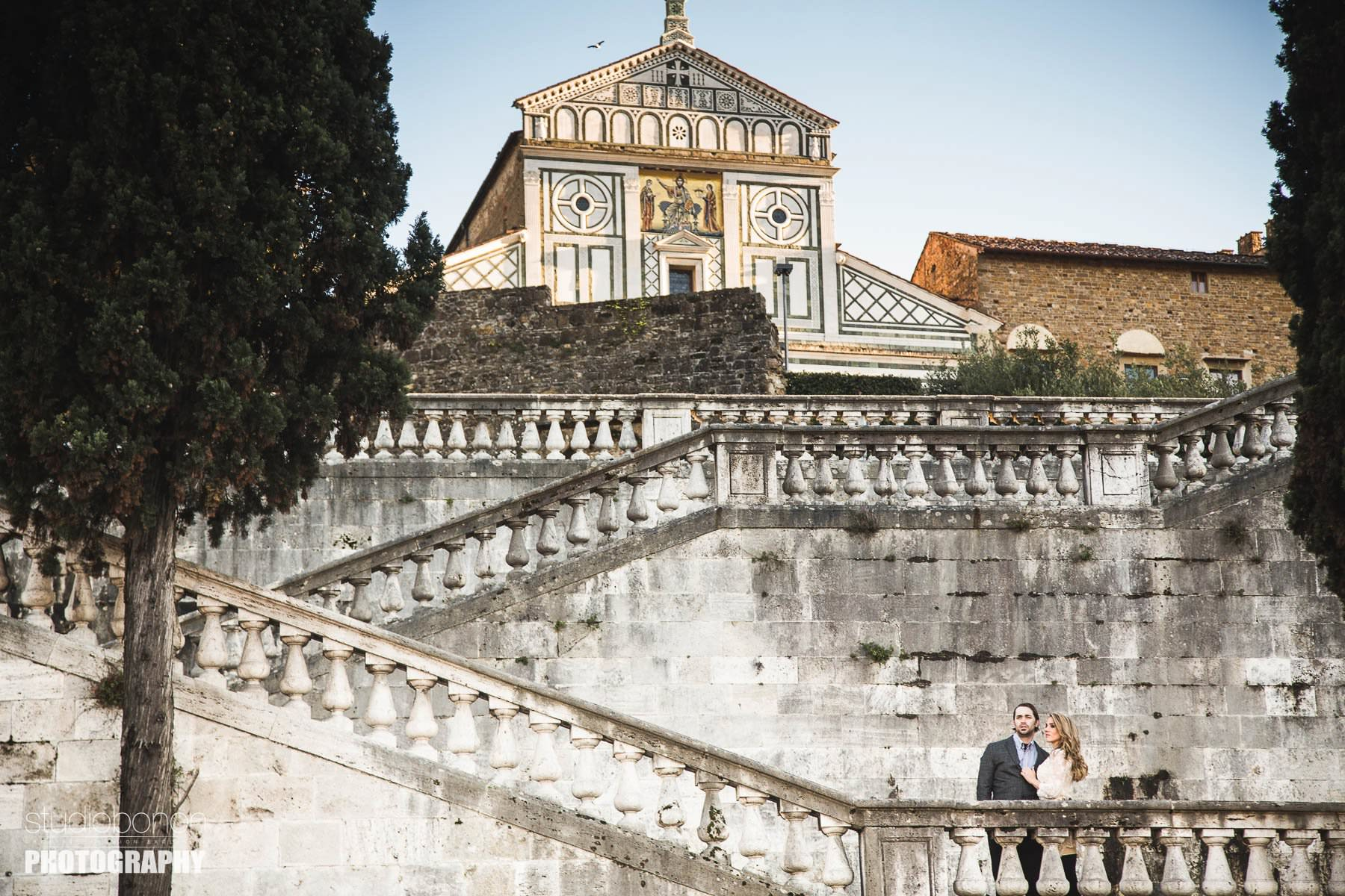 Engagement photo shoot in Florence. Photo by Studio Bonon Photography.
