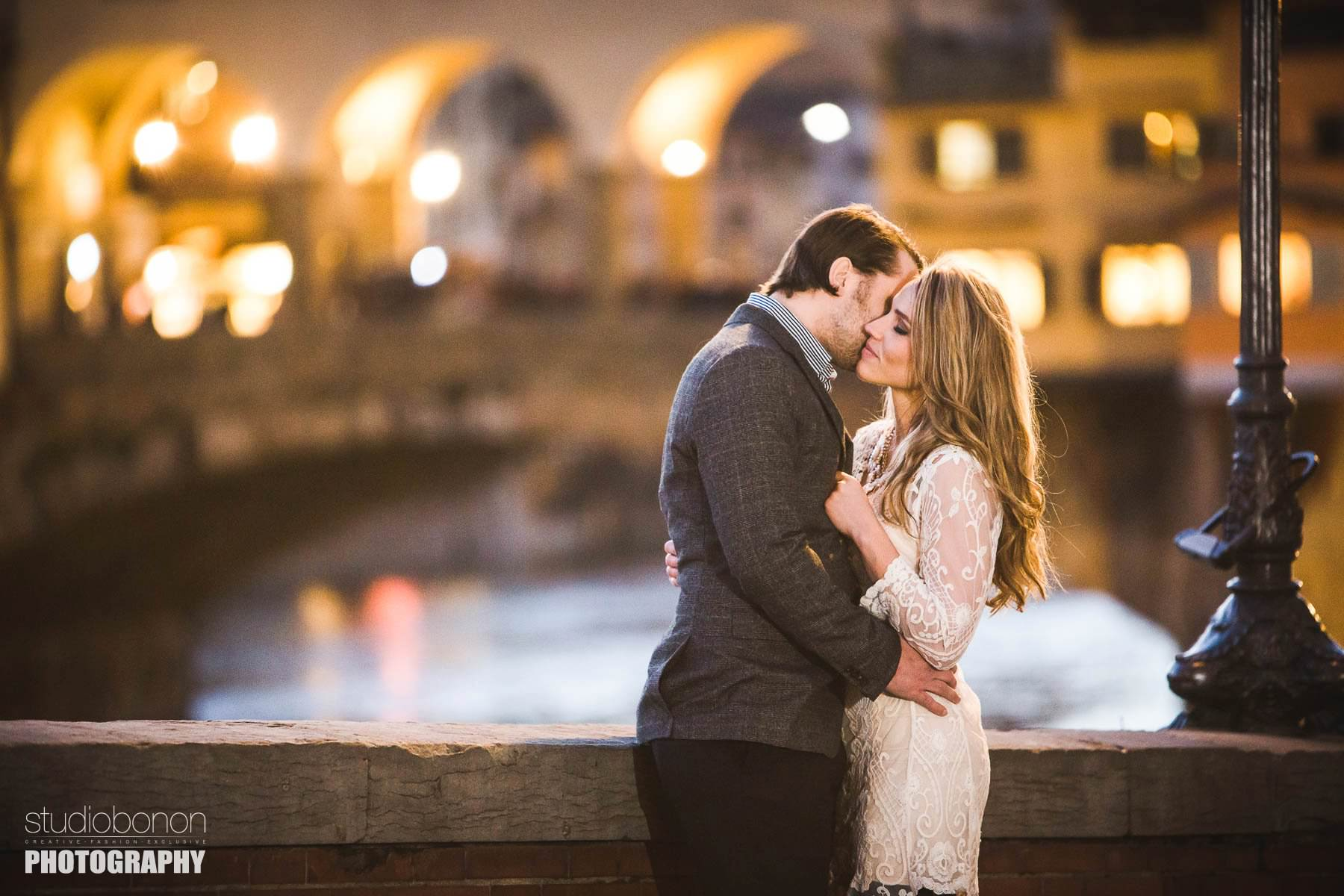 Couple portrait photo shoot in Florence. Photo by Studio Bonon Photography.