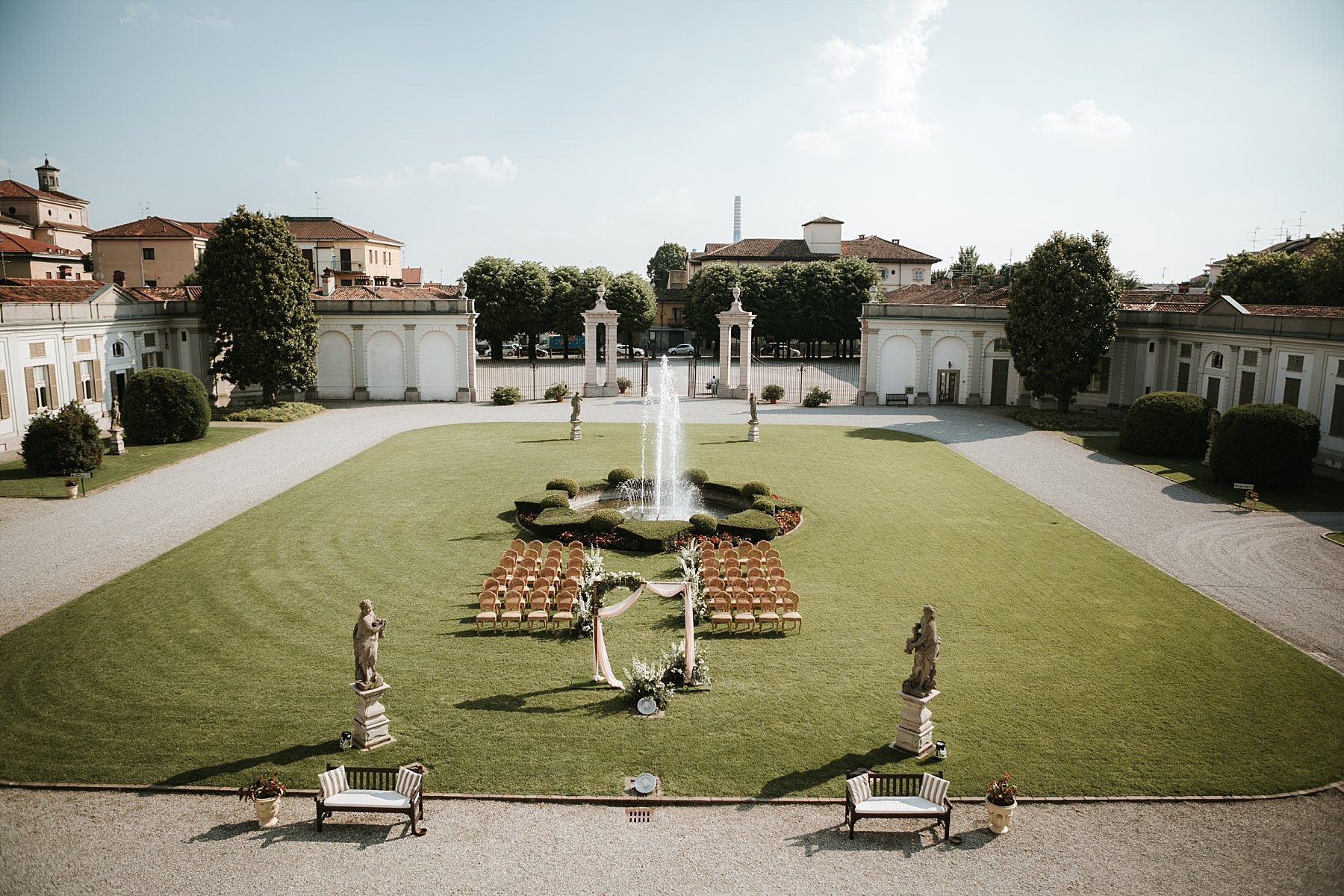 Ceremony setting at Villa Borromeo Cassano d'Adda.