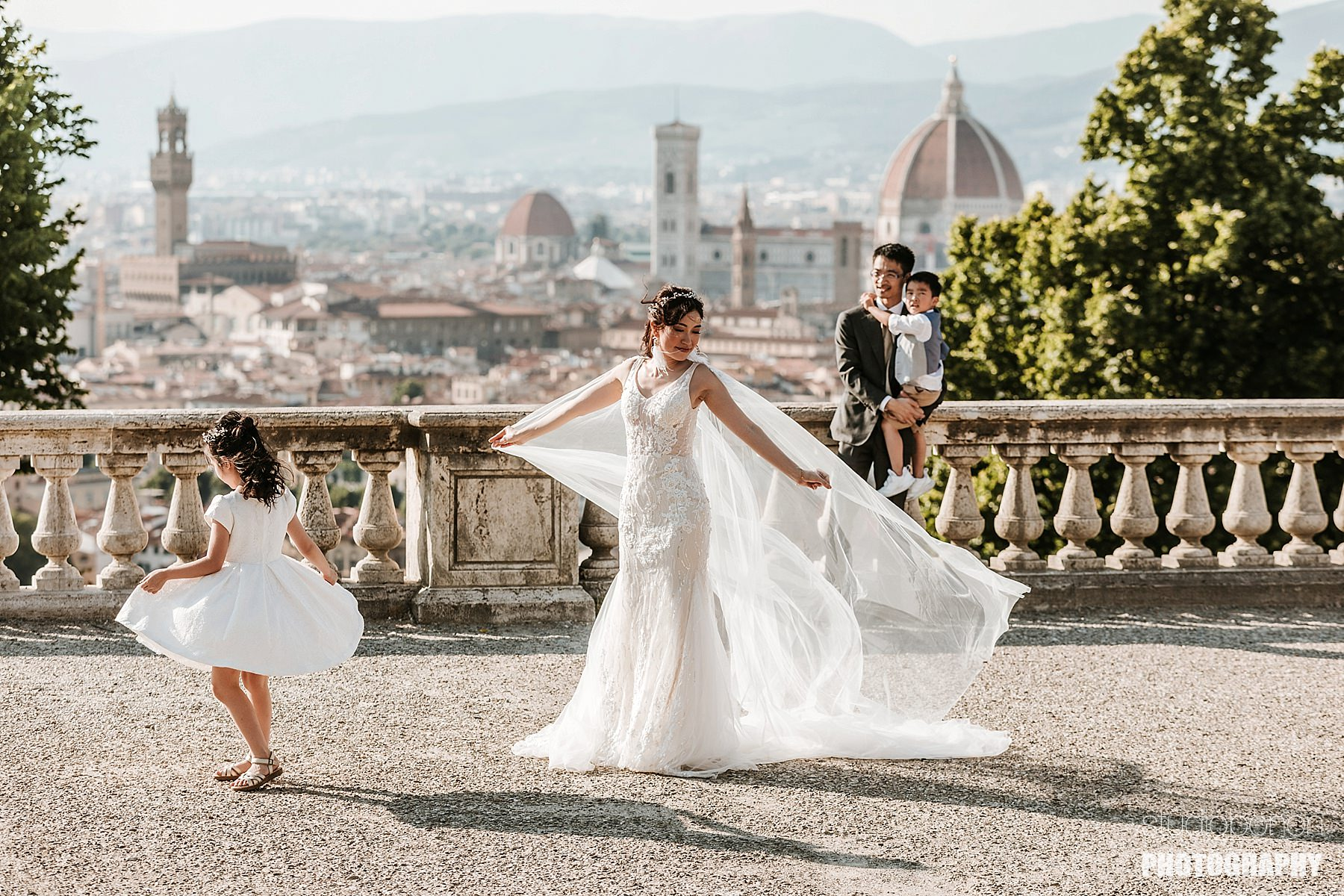 Family Wedding Photographer in Florence Tuscany